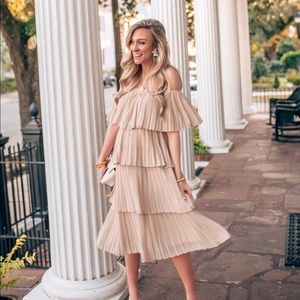 Pleated ruffle dress ✨